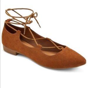 Pretty lace-up your leg ballet flats!